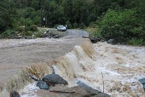 پلهای آبنمای گیلان بازگشایی شد؛ لزوم تکمیل سدها برای ذخیرهسازی باران