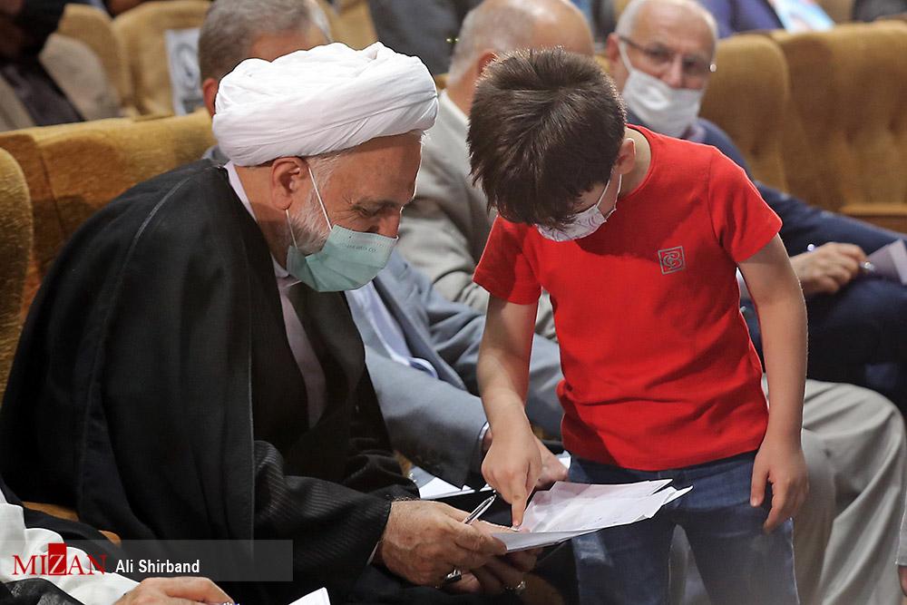 عکس/ نامه های بچه های خوزستانی به رئیس قوه قضاییه