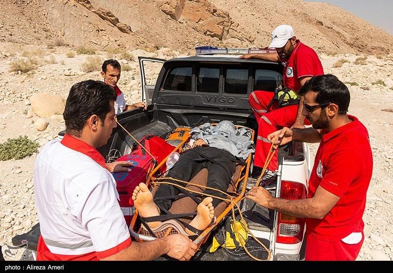 عکس/ نجات جوان ۲۳ ساله در لامرد فارس