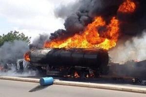 زنده سوختن راننده تانکر حمل سوخت در میان شعلههای آتش در فارس
