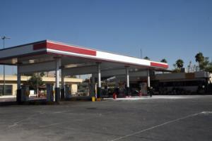 روند عرضه بنزین در جایگاههای سوخت شیراز