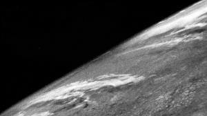 اولین تصویر زمین از فضا چگونه ثبت شد؟