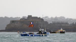 فرانسه شناور ترال انگلیس را توقیف کرد