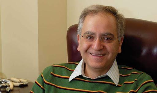 گفتگوی اختصاصی با پروفسور کامران وفا پس از انتشار کتاب «معماهایی برای رازگشایی از عالم»