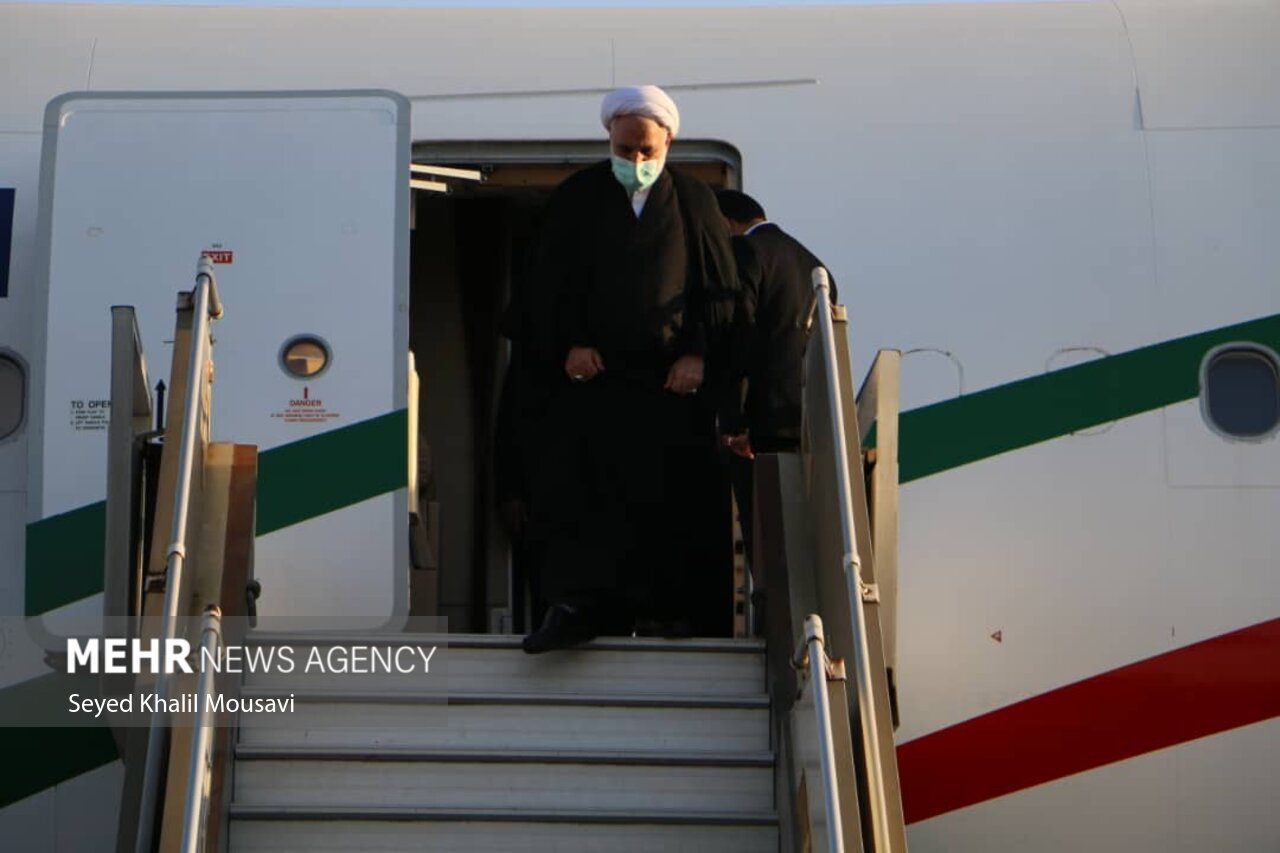 عکس/ لحظه ورود رئیس قوه قضائیه به خوزستان